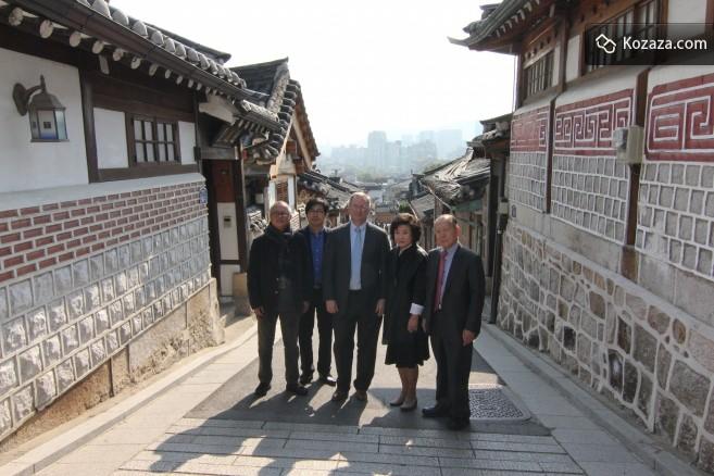 Eric and Dr. Jo, CEO of kozaza, at Bukchon Hanok Village