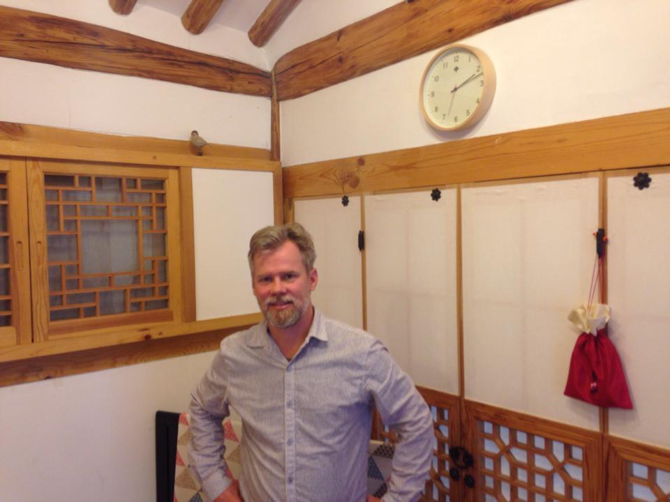 Neal Gorenflo at kozaza Hanok, Korean traditional house.