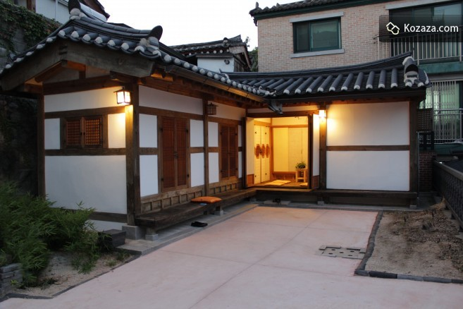 Seoul hanok book homes in korea for Home wallpaper korea